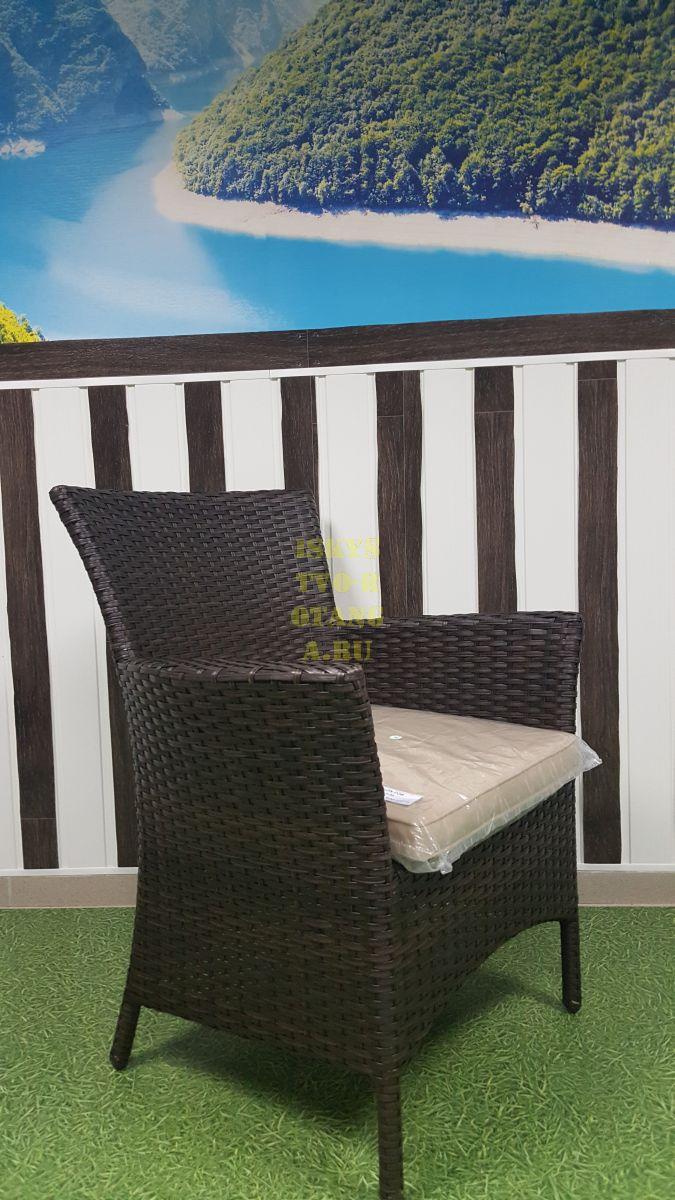 Фото-Кресло из ротанга плетеное Nina Royal brown